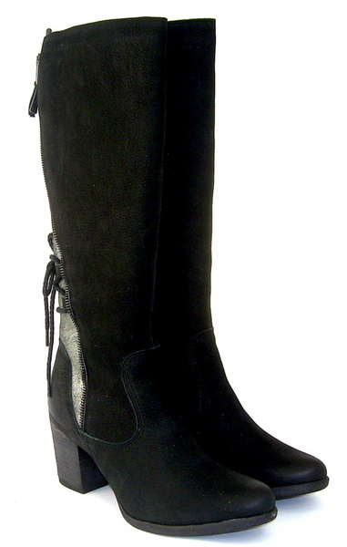 Yokono black boot with zip back