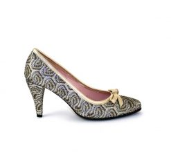 Le Babe gold court shoe