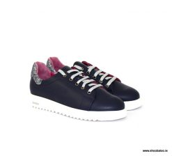 Le Babe navy trainer