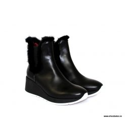 Marco Moreo black ankle boot with fur