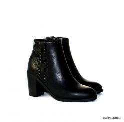 Bourbon by Amy Huberman Philadelphia in black leather