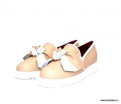 Le babe nude sneaker with bow
