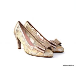 Le Babe rose gold pointed court