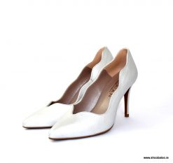 Marian silver scalloped court