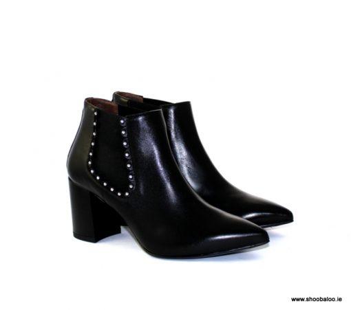 Nero Giardini pointed black stud Chelsea boot