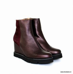 Pedro Anton wedge ankle boot in burgundy